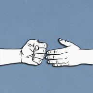 Awkward_handshake
